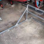 Rack windsurf PVC en cours de montage